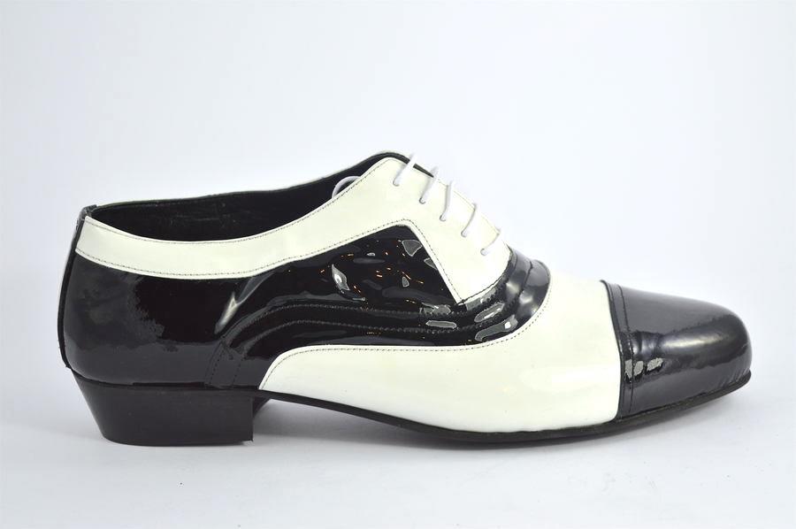 Ανδρικό παπούτσι τάνγκο από μαύρο και άσπρο δέρμα λουστρίνι