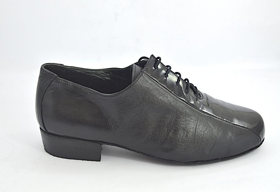 Ανδρικό παπούτσι αργεντίνικου τάνγκο από μαύρο ματ δέρμα και μαύρο λουστρίνι