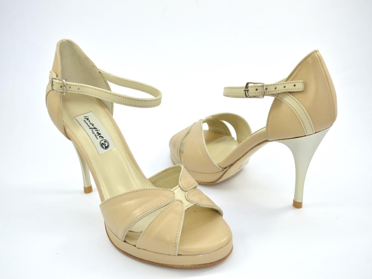 Νυφικό παπούτσι peep toe από μπεζ δέρμα