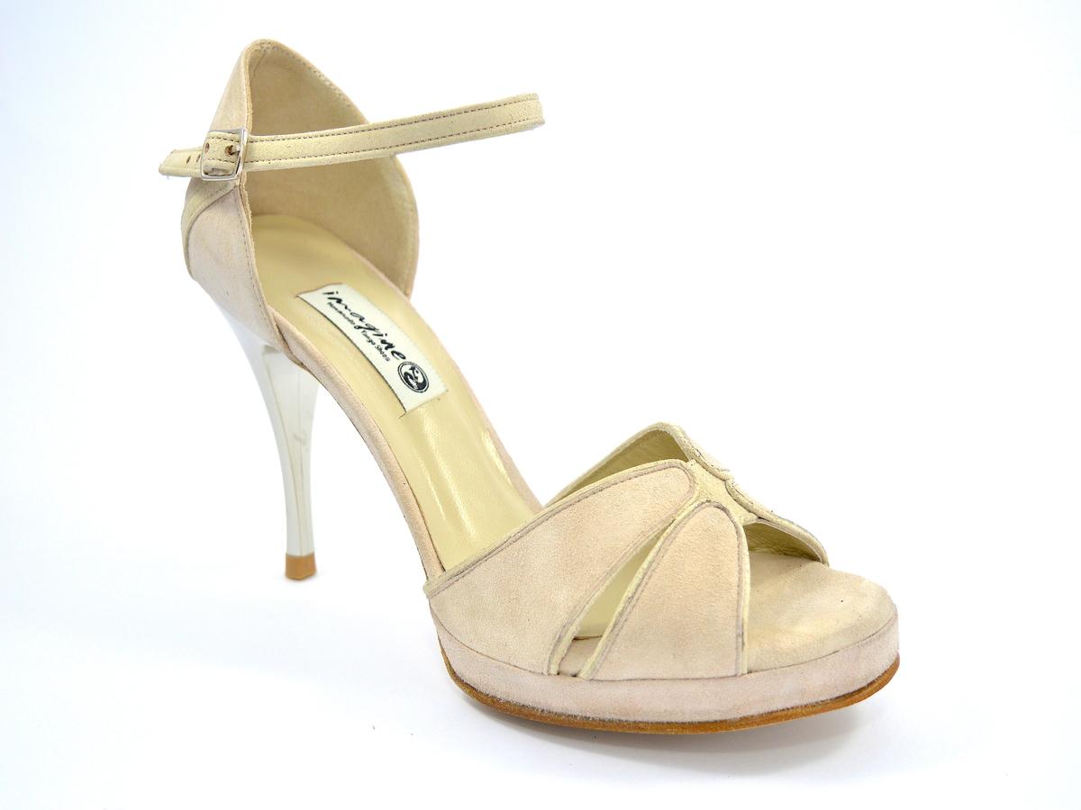 Νυφικό παπούτσι peep toe από ιδιαίτερο μπεζ σουέντ δέρμα