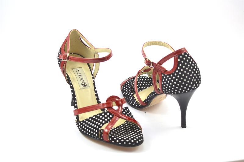Γυναικείο παπούτσι tango open toe από κόκκινο λουστρίνι και ασπρόμαυρο πουά