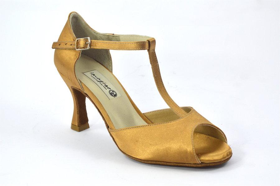 Γυναικείο παπούτσι Λάτιν από μπεζ σατέν