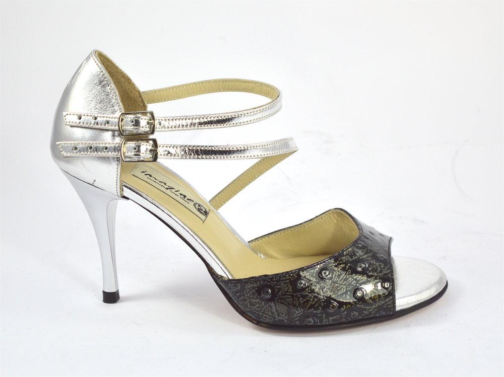 Γυναικείο παπούτσι αργεντίνικου τάνγκο, open toe με διπλό λουράκι από ασημί δέρμα και ιδιαίτερο μαύρο-χακί λουστρίνι