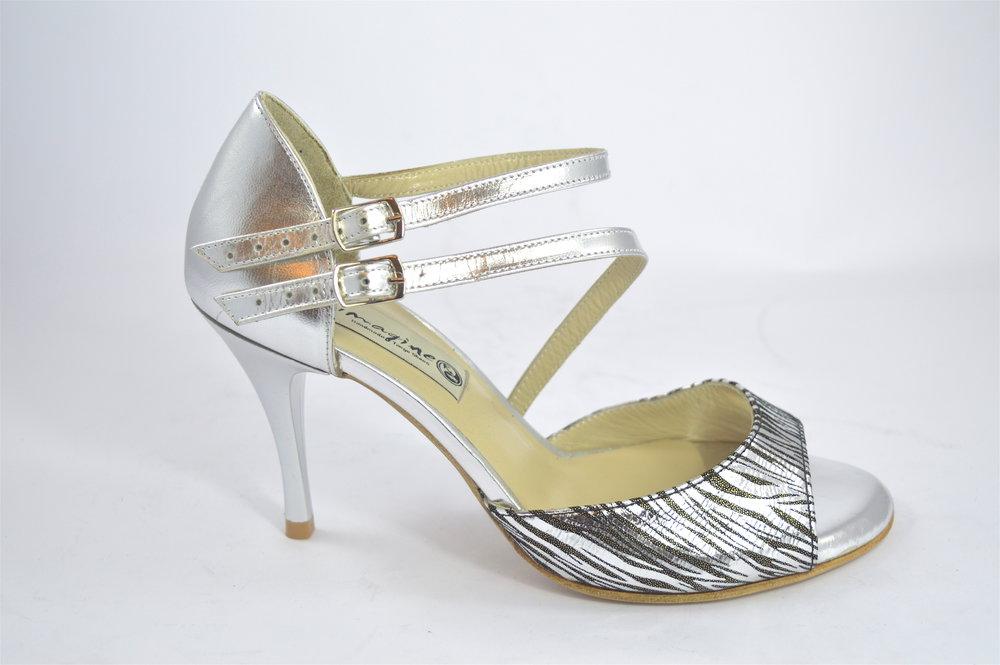 Γυναικείο παπούτσι χορού αργεντίνικου τάνγκο, open toe με διπλό λουράκι από ασημί δέρμα και ιδιαίτερο μαύρο-ασημί μαλακό δέρμα