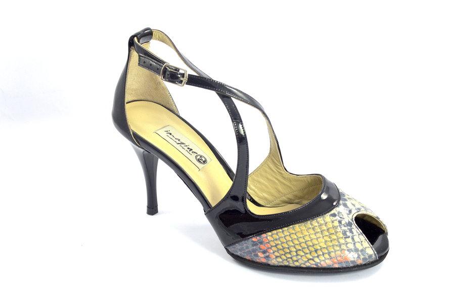 Γυναικείο παπούτσι tango peep toe σε διχρωμία από μαύρο λουστρίνι και φίδι
