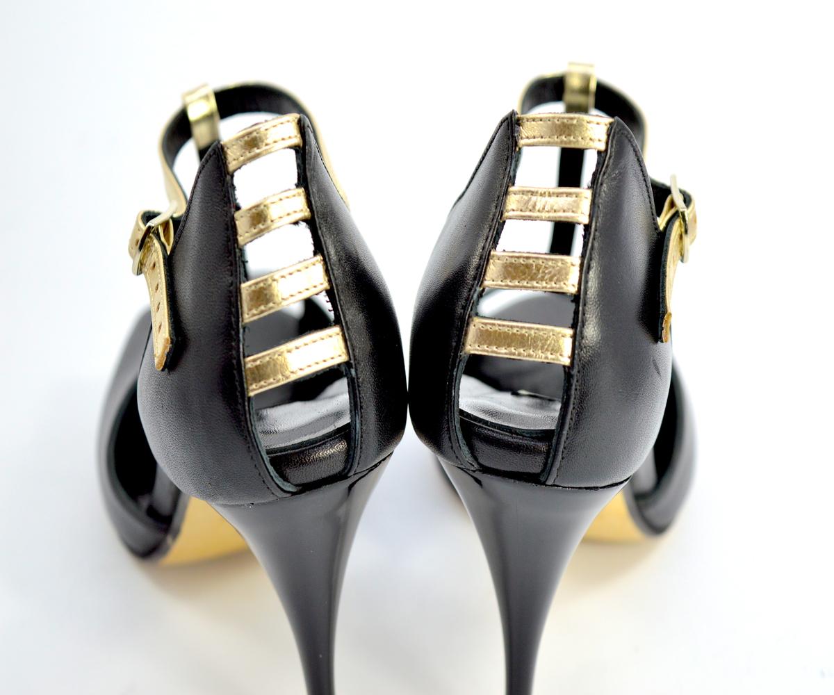 Γυναικείο παπούτσι Τάνγκο peep toe από μαύρο δέρμα και χρυσά λουράκια
