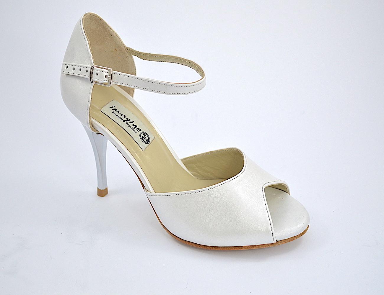 Νυφικό παπούτσι peep toe από ιδιαίτερο λευκό δέρμα πέρλα