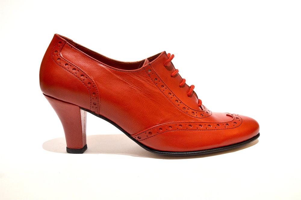 Γυναικείο παπούτσι tango κλειστού τύπου από μαλακό κόκκινο δέρμα